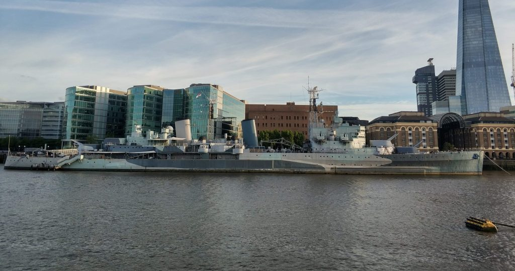 Barco de guerra en Londres